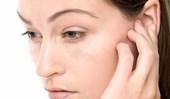 болеть челюсть возле уха