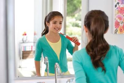 Стоматологи рекомендуют использовать электрощетку, начиная с возраста 3 лет.