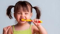 как приучить ребенка к чистке зубов