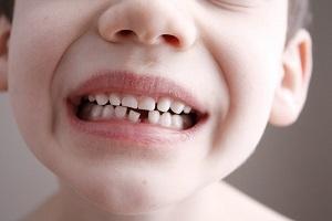 когда меняются зубы у детей