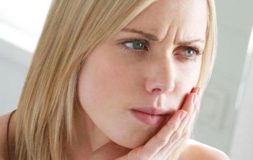 причины развития аллергического стоматита