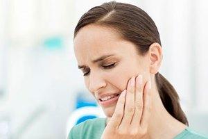боль в зубе при альвеолите
